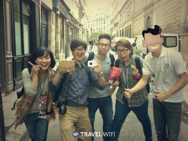 Des touristes taiwanais équipés ©Travel Wifi