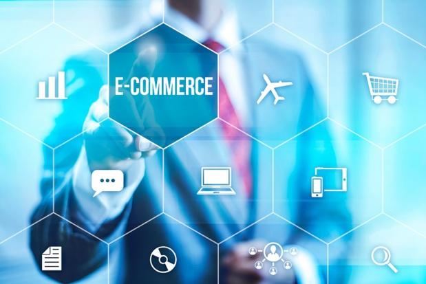 L'e-commerce évolue de jour en jour et il est important de s'adapter en permanence. Il y a quelques années, toutes les transactions ne s'effectuaient qu'à partir d'un ordinateur fixe. Aujourd'hui le mobile représente déjà une moyenne de 15% des réservations - © mikkolem - Fotolia.com