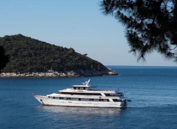 """Avec ses 44,3 m de longueur et 9,2 m de largeur, le """"MV Corona"""" affiche 20 cabines extérieures spacieuses - Photo JDL"""