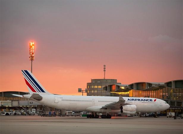 Air France-KLM maintient ses objectifs de réduction de sa dette pour fin 2015 - DR : Air France-KLM