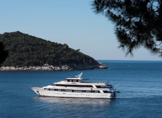 """44.3 m long and 9.2 m wide, the """"MV Corona"""" has 20 spacious exterior cabins - Photo JDL"""