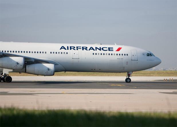Dans un élan extrême de solidarité, et surtout pour garder la mainmise à moindre frais, l'Etat français s'apprête à investir (euphémisme ou jeter l'argent dans un puits sans fond) entre 30 et 45 millions d'euros afin d'acquérir 1.7% des actions d'Air France. Pas grand-chose, finalement… - Photo Air France Photographe : Virginie Valdois