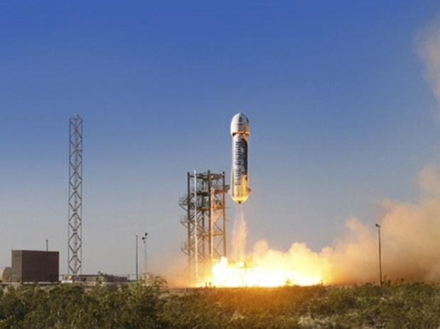 Le 29 avril 2015, la capsule Shepard, de la société Blue Origin, s'est détachée et est redescendue sur Terre sans dysfonctionnement à l'aide de ses trois parachutes - DR : Blue Origin