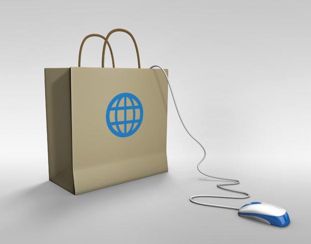 """Marc Lolivier : """"Le mobile va être la réunification des 2 mondes, celui d'internet et celui des points de ventes. C'est le client qui commande et il veut un rendez-vous physique en magasin en complément de tout ce que lui offre internet. """"Photo Fotolia Francis Bonami"""