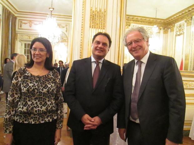 S.E. Ehab Badawy, ambassadeur d'Egypte en France, entouré par Riham Wahid, nouvelle directrice du Tourisme pour la France et René-Marc Chikli, président du SETO. Était aussi présent Richard Soubielle pour le SNAV - DR : M.S.