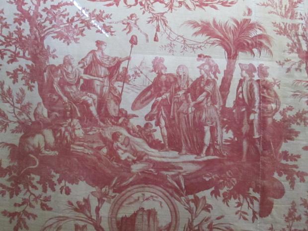 Après le décès d'Oberkampf en 1815, les motifs continueront à évoluer en fonction des modes, des époques, des régimes - DR : M.S.