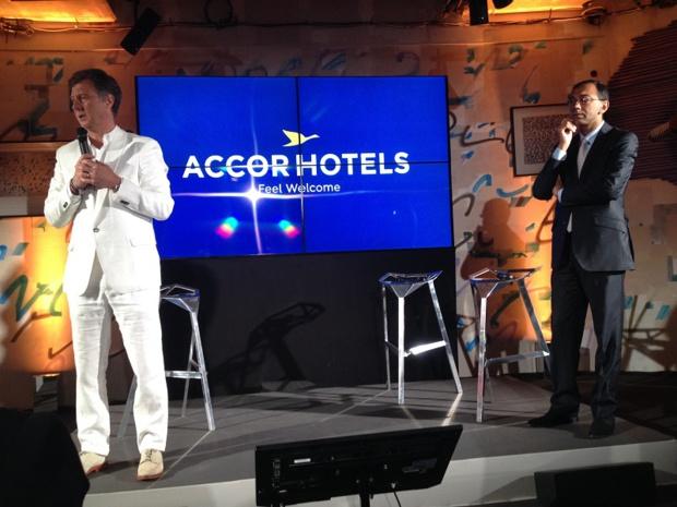 Sébastien Bazin et Vivek Badrinath expliquent la mue d'Accor en Accorhotels lors d'une conférence de presse au sein de l'hôtel Molitor à Paris. ©MK