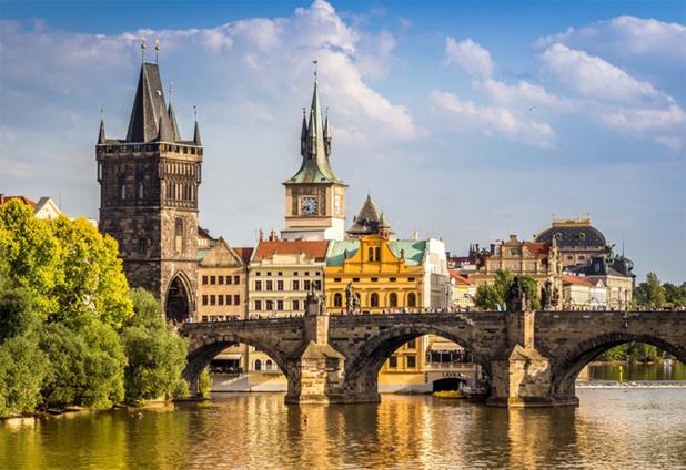 Le Pont Charles à Prague © alexgres - Fotolia.com
