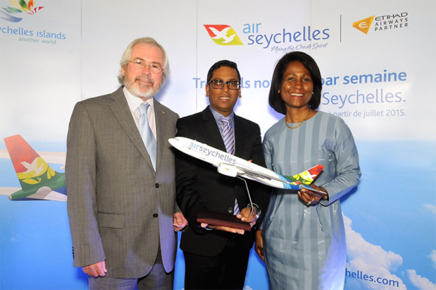 Maurice Loustau-Lalanne, principal secrétaire aux Affaires étrangères seychelloises et membre du conseil d'administration d'Air Seychelles; Manoj Papa, Chief Executive Officer d'Air Seychelles et Bernadette Willemin, directrice pour l'Europe de l'office du tourisme des Seychelles - Photo DR