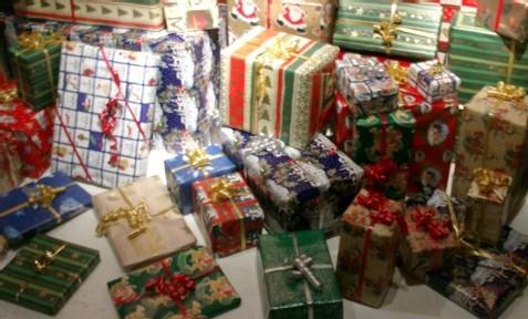 Pour les cadeaux faudra pas trop trainer... le stock fond comme neige au soleil !