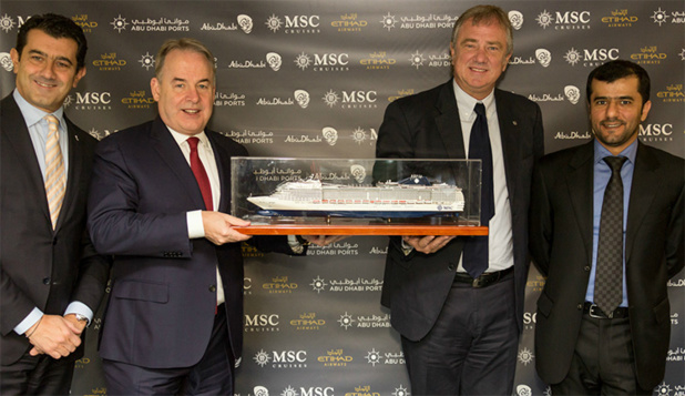 Gianni Onorato, Chief Executive Officer de MSC Croisières ; James Hogan, President et Chief Executive Officer d'Etihad Airways ; Pierfrancesco Vago, Executive Chairman de MSC Croisières ; Capitaine Mohamed al Shamsi, Chief Executive Officer de la Compagnie des Ports d'Abu Dhabi.