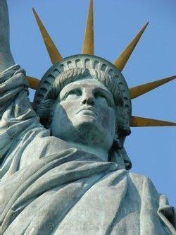 Miss Liberty toujours aussi fringante dans le coeur des Frenchies... un peu d'atavisme, peut-être ?