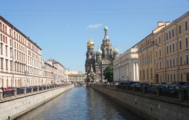 Saint-Pétersbourg, appelée également la Venise du Nord, est traversée par de multiples canaux, 320 ponts, îles, avenues et regorgent de trésors à chaque coin de rue - DR : JDL