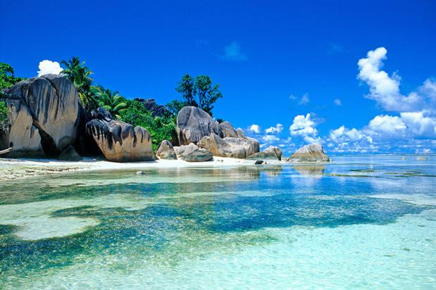 Les Seychelles et leurs plages idylliques font rêver. Hélion de Villeneuve vous livre ses adresses favorites et ses coups de coeur - DR : Fotolia - Pat on stock