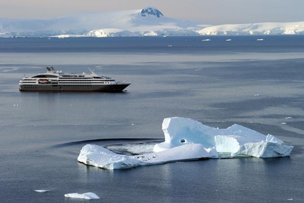 la compagnie possède une flotte composée du voilier Le Ponant et de 4 yachts de croisière - Photo Mathieu Gesta Le Boreal Antarctica