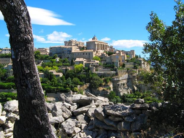 Le village de Gordes dans le Vaucluse - Photo : vouvraysan - Fotolia.com