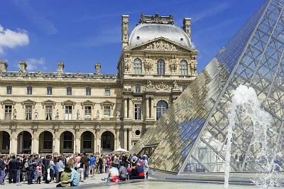 Les touristes ont répondu présents à Paris pendant l'été 2015 - Photo : © Daniel Thierry - OTCP