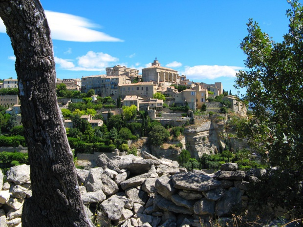 Gordes Villa in Vaucluse -  Photo : vouvraysan - Fotolia.com