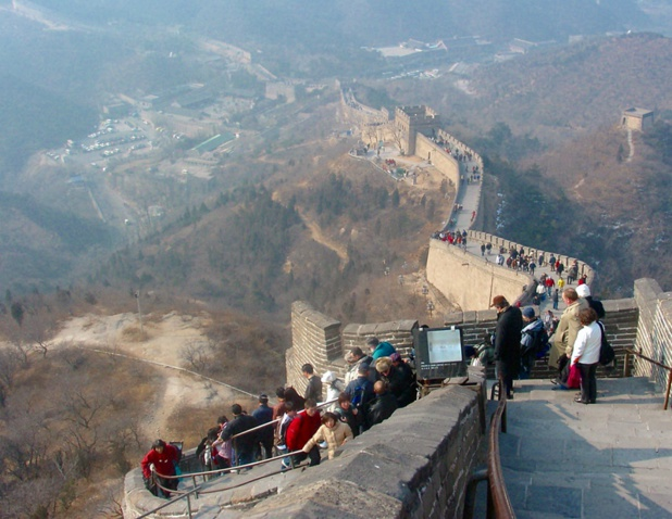 La Grande muraille de Chine pourrait bientôt protéger le voyagiste français des coups de boutoir de la concurrence... cela suffira-t-il ? /photo JDL