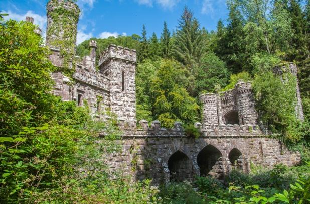 L'Irlande ancestrale, le nouveau thème développé par le touirisme irlandais. Ici les tours Ballysaggartmore à Lismore (Comté de Waterford). Photo OT Irlande.