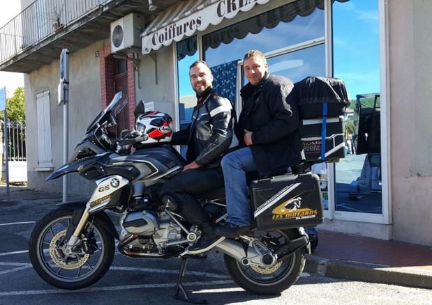 L'équipe de TourMaG.com : Fabien Da Luz, fondateur de l'association « Les Motards du Tourisme » et directeur de TourMaG.com et Frédéric Arfi, caméraman - DR