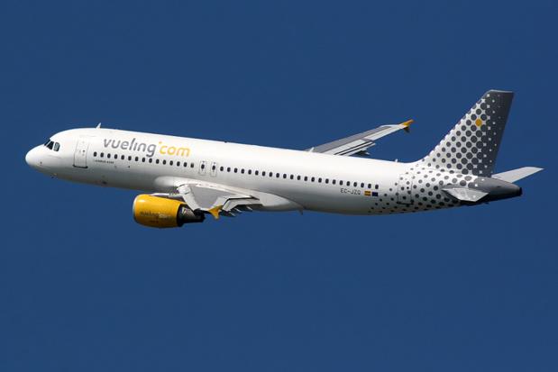 La stratégie opérationnelle de Vueling est d'installer à terme un triangle de places fortes, Barcelone, Rome et Paris pour développer des lignes vers le sud, le nord et l'est de l'Europe - Photo Wikipedia Airbus A320 Vueling