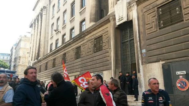 Les candidats à la reprise de la SNCM n'ont pas pu présenter leurs offres devant le Tribunal de Commerce de Marseille - Photo A.B.