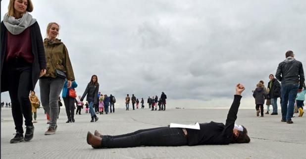 La manifestation des guides-conférenciers au mont-Saint Michel était destinée à informer les touristes sur les causes de leur mobilisation - Photo DR