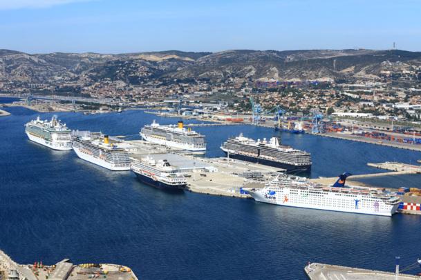 Les bassins qui accueillent les bateaux de croisières à Marseille seront systématiquement inspectés pendant l'état d'urgence - Photo : CMOIRENC_CCMP