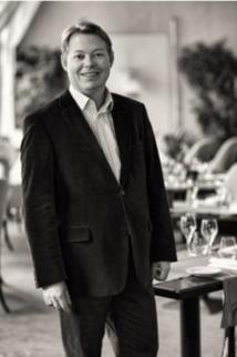 Philippe Gourgaud, nouveau directeur général de l'Hôtel Au Cœur du Village - DR : Relais et Châteaux