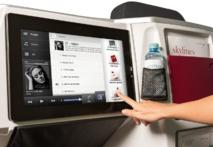 L'écran tactile est très grand (38 cm), une sorte de mini home cinéma en vol - © Austrian Airlines Group