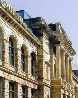 d'un superbe bâtiment du 19e siècle