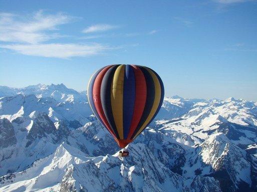 France Montgolfières : nouvelle formule Prestige au coeur des Alpes Suisses