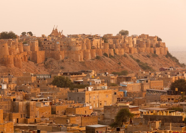 Jaisalmer, forteresse dans le désert, proche de la frontière du Pakistan © davidevison - Fotolia.com