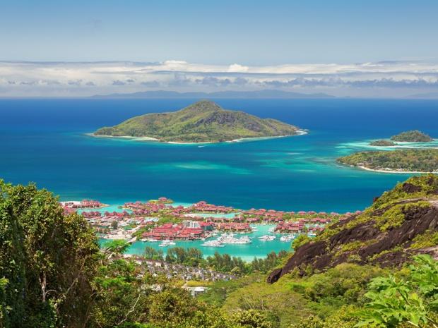 Vue de l'Ile de Mahé aux Seychelles -Photo Fotolia 18042011