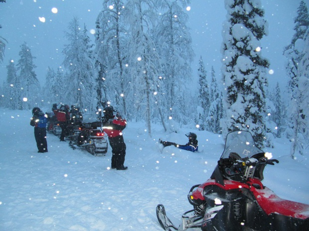 Le parcours de la balade à motoneige prévoit plusieurs pauses pour admirer le paysage - Photo : P.C.