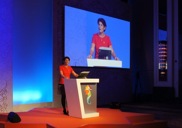 Dominique Beljanski, présidente de la coopérative Selectour Afat lors de son discours d'ouverture du congrès à Istanbul - Photo CE