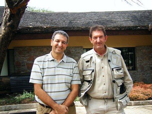 Karim Hammadache (à gauche) directeur commercial du TO Longs Courriers et Thierry Cellier Directeur général de African Secret à Nairobi, un des réceptifs de Vacances Transat, de Rev'Vacances, de Plein Vent ou de Starter.
