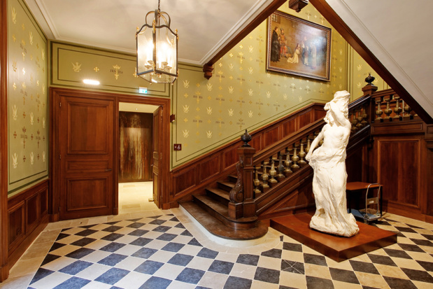 Large staircase of the Archiépiscopal-Historial Jeanne d'Arc Palace (photo: Thomas Boivin)