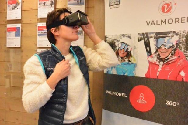Des lunettes de réalité virtuelle- (c) Valmorel