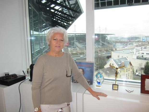 Avec un bureau juste en face du stade de France, Martine Granier, la directrice du pôle voyages, sera aux premières loges pour les matchs de foot ! DR-LAC