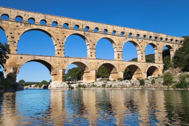 Gard Tourisme présente un circuit à travers les paysages cévenols à bord d'un train à vapeur, une visite du Pont du Gard, les monuments romains de Nîmes et la faune et la flore camarguaises Photo Auteur : Santi Rodríguez