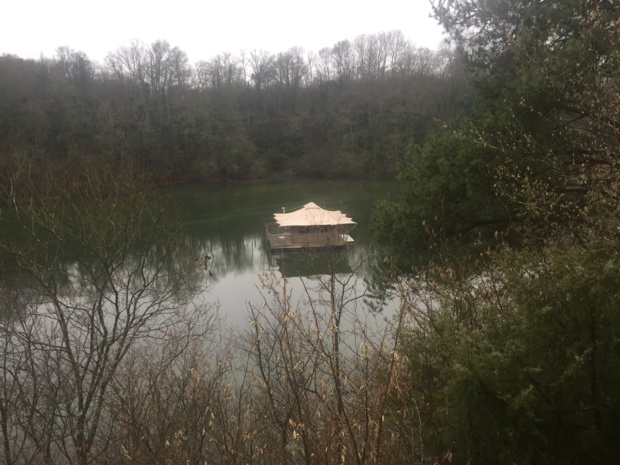 Floating cabin at Echologia