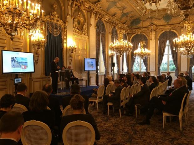 Laurent Fabius a officiellement ouvert le premier portail consacré à l'œnotourisme - DR : Atout France