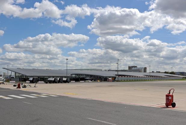 Vue extérieure côté pistes du Terminal 3 à Paris-Charles de Gaulle - Photo : Jean-Marc JOUANNEAUX