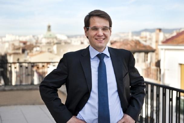Nicolas Déchavanne, président du Directoire de Vacances Bleues est arrivé en septembre 2013 avec 3 objectifs : développer le portefeuille,  optimiser la gestion des charges de ses hôtels et réunir une nouvelle équipe commerciale - Photo DR