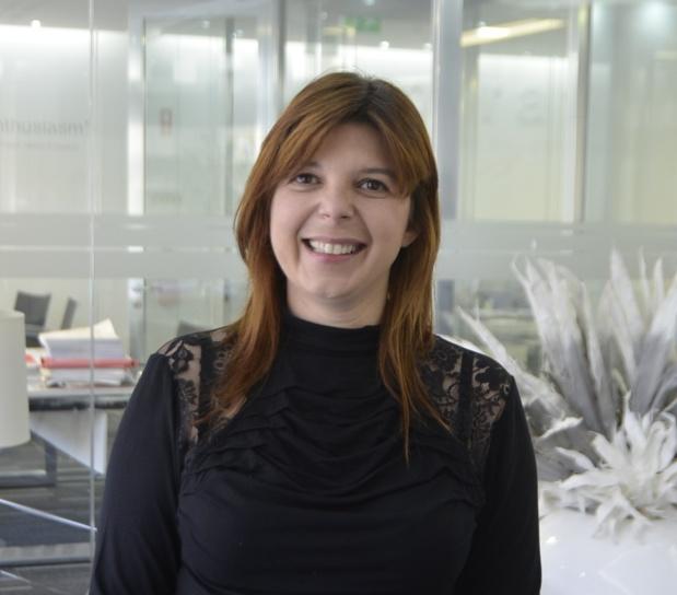"""Elsa Diogo, directrice commerciale d'In Tours Portugal : """"Je pense qu'effectivement au Portugal il y encore beaucoup de choses à faire au niveau de la « place » des femmes dans des postes de responsabilité mais je pense que les choses bougent de plus en plus rapidement"""" - Photo In Tours Portugal"""