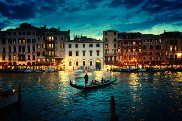 Le grand canal au coucher du soleil – Venise, Italie – © Iakov Kalinin – Fotolia.com