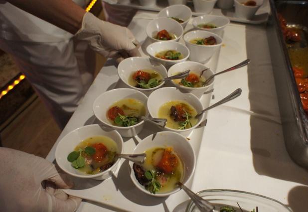Les agents de voyages ont pu tester le menu de Gala élaboré par le Chef étoilé Bruno Barbieri - Photo CE