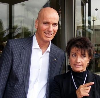 Olivier Jacquin, vice président de Rezidor Hôtel Group et Paola Valzoano, directrice du Park Inn Nice
